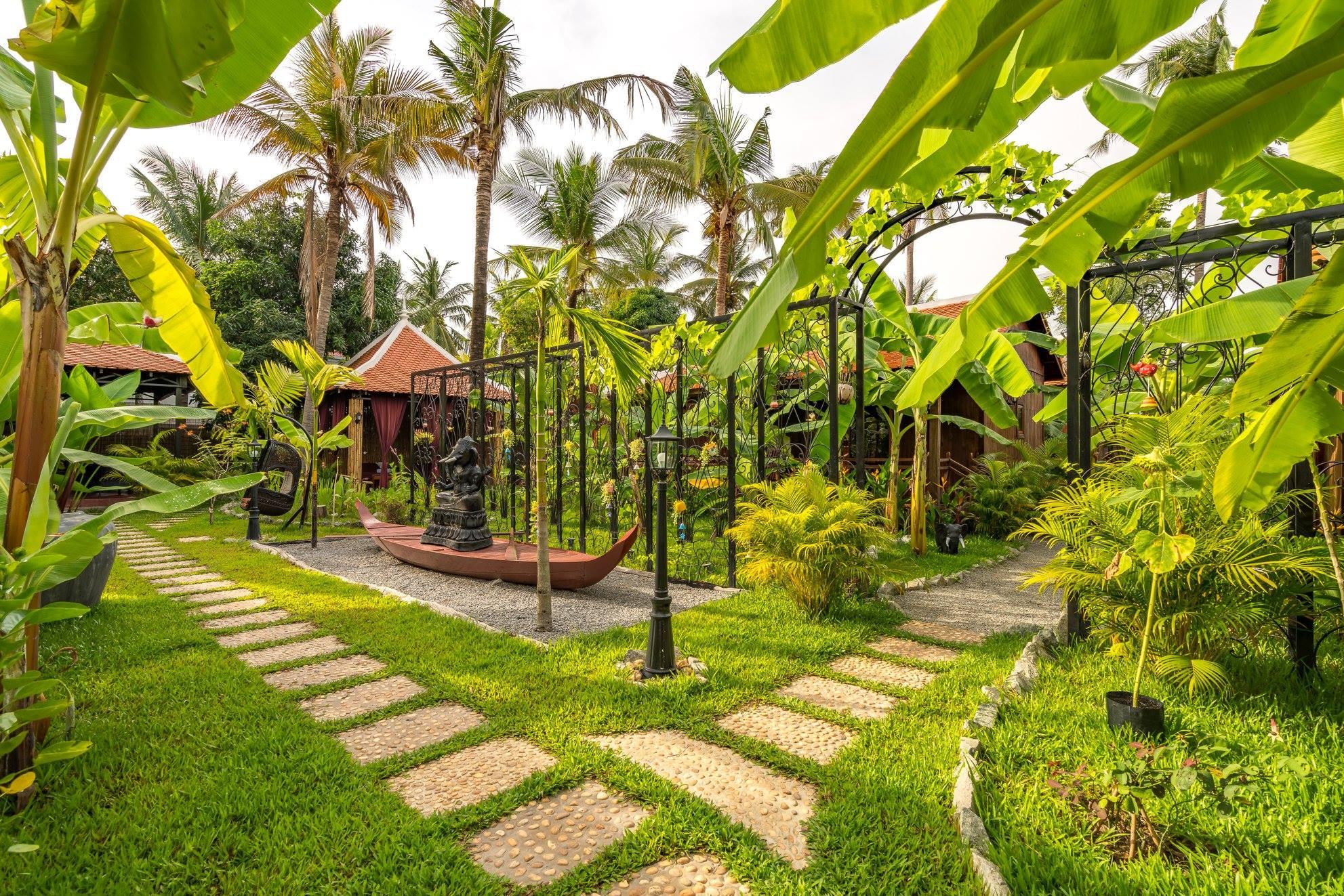 Tan Sour Resort