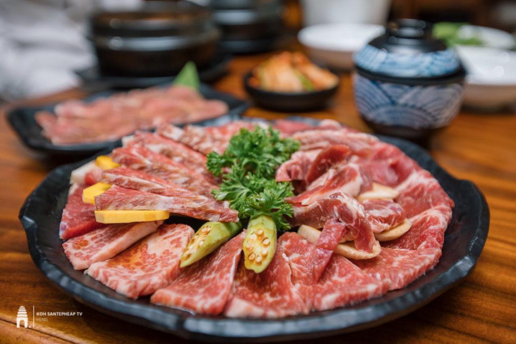 ភោជនីយដ្ឋាន Kinkaku BBQ Japan