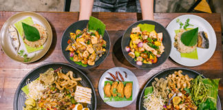 ហាង Food House (Moto Cafe)