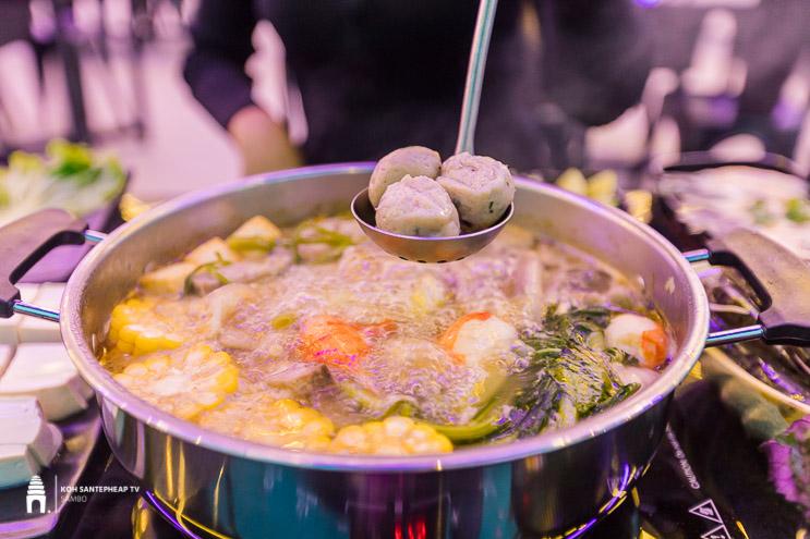 ភោជនីយដ្ឋាន AT BBQ & Soup