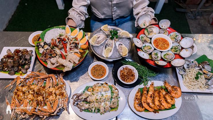 ហាង DIZZ BBQ Street Foods